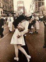 Salor kiss.jpg